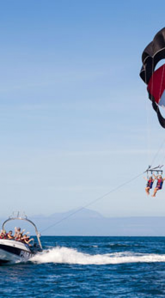 Los mejores deportes acuáticos para realizar en Canarias